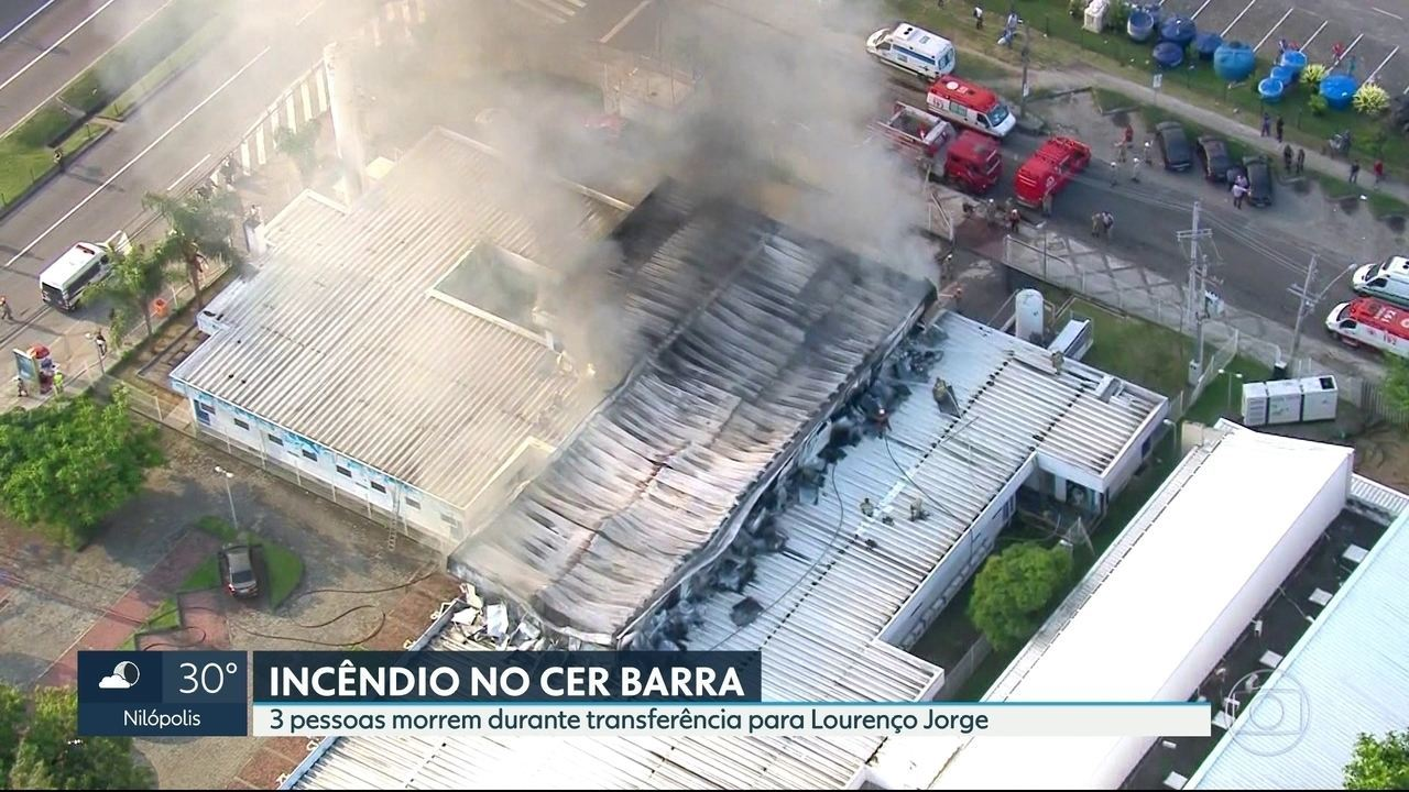 Pronto-socorro pega fogo na Barra da Tijuca