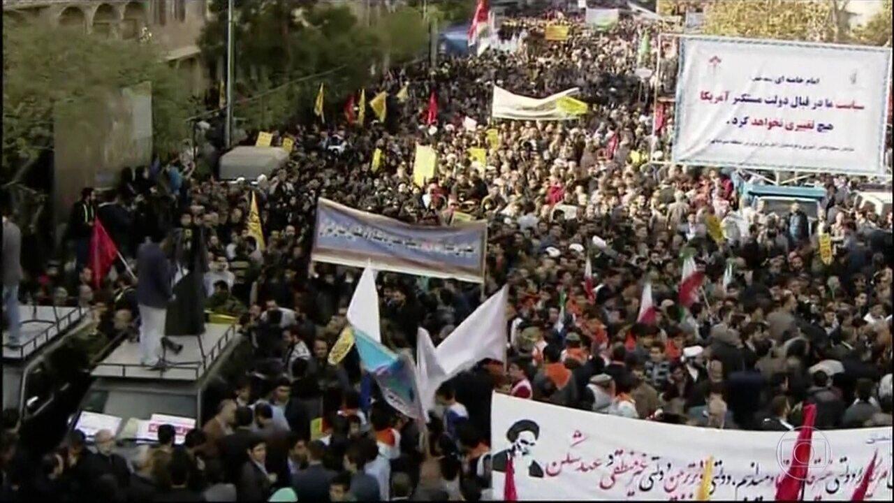 Milhares de iranianos vão às ruas para protestar contra os Estados Unidos