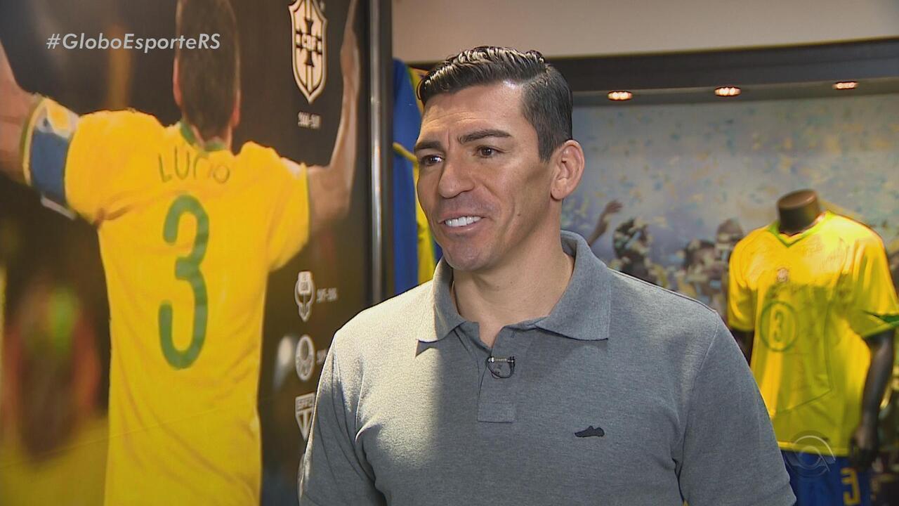 Campeão na Champions e do Mundo, Lúcio reúne lembranças da carreira em Porto Alegre
