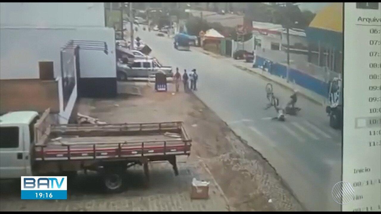 Flagrante:estudante se destraí e acaba sendo atingido por carro em Ipiaú, no sul do estado