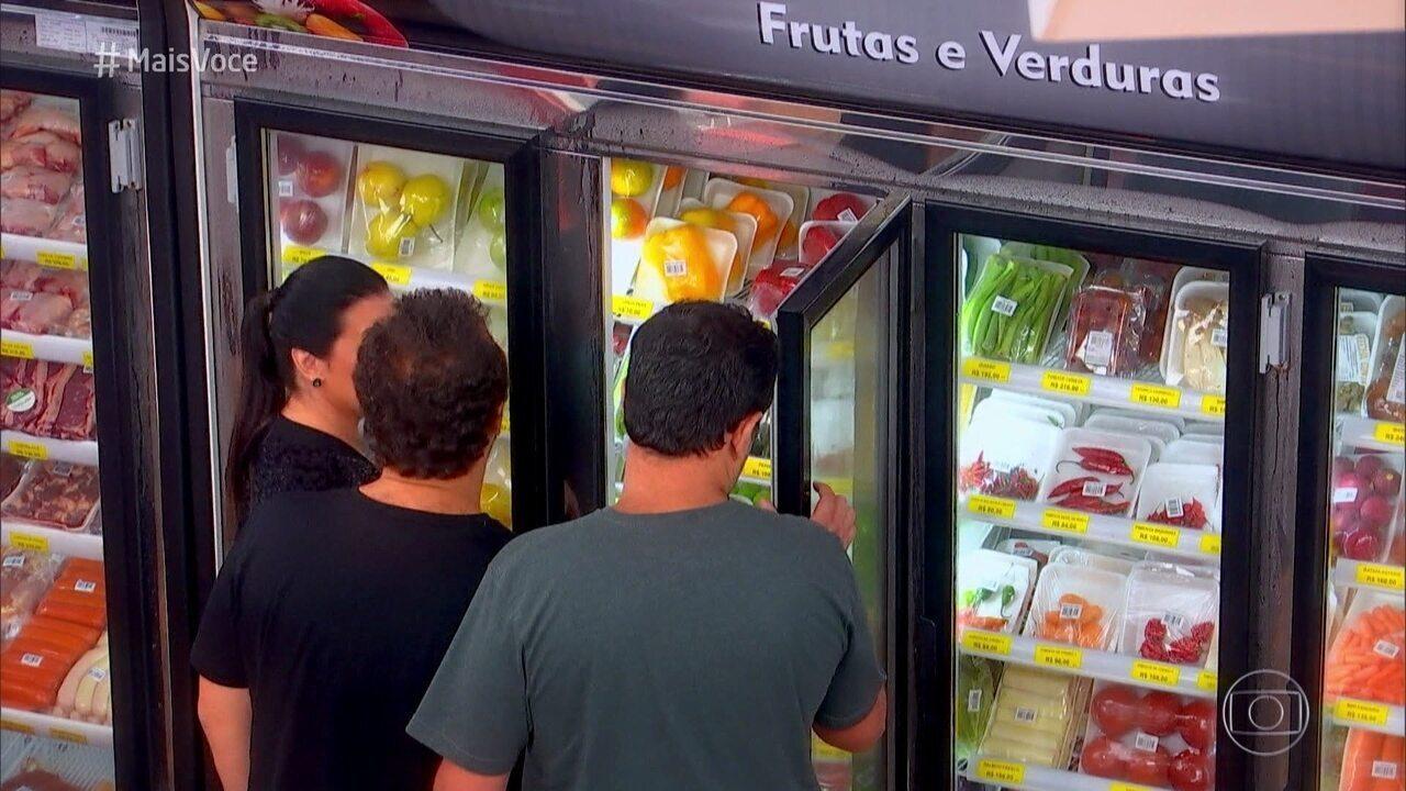 Jurados visitam o mercado do 'Fecha a Conta Boteco'
