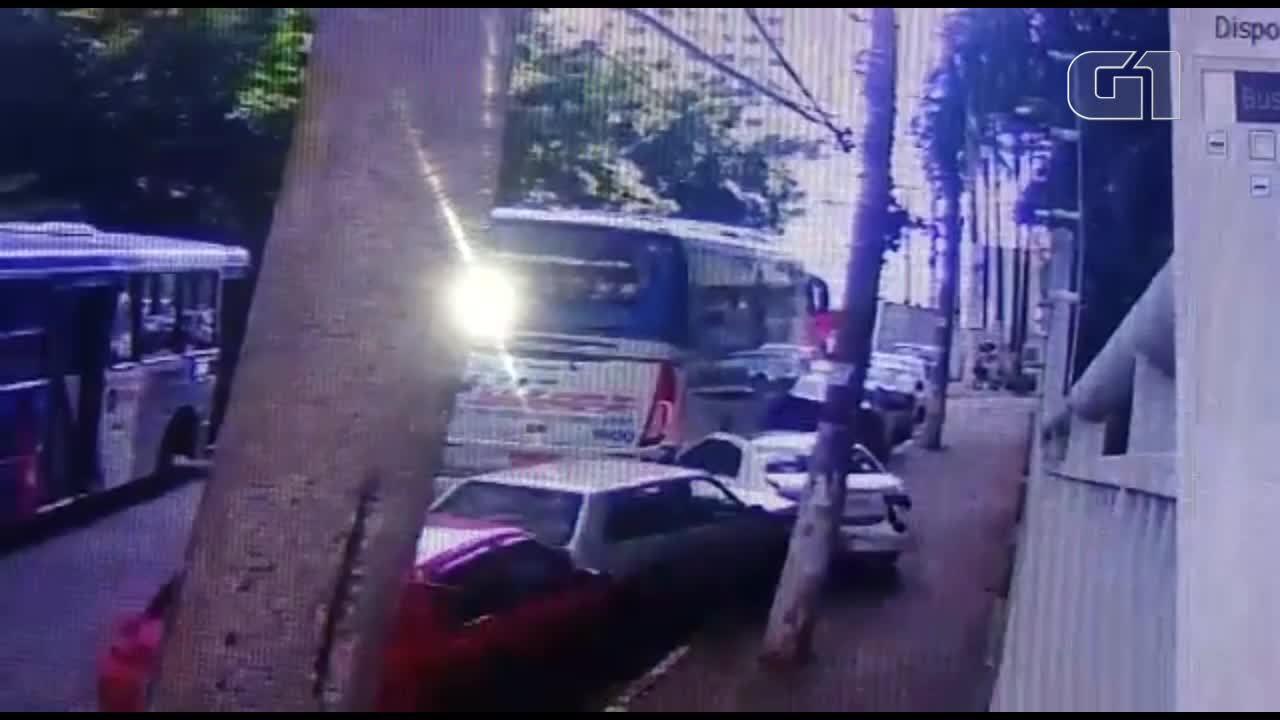 Acidente com ônibus deixa um morto em Guarulhos