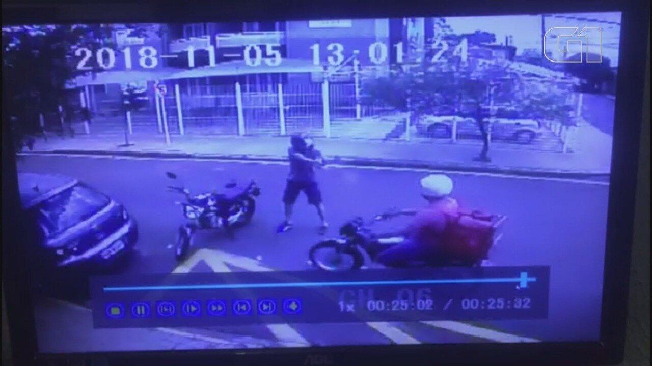 Motoboy é morto a tiros após briga no trânsito em Barretos, SP