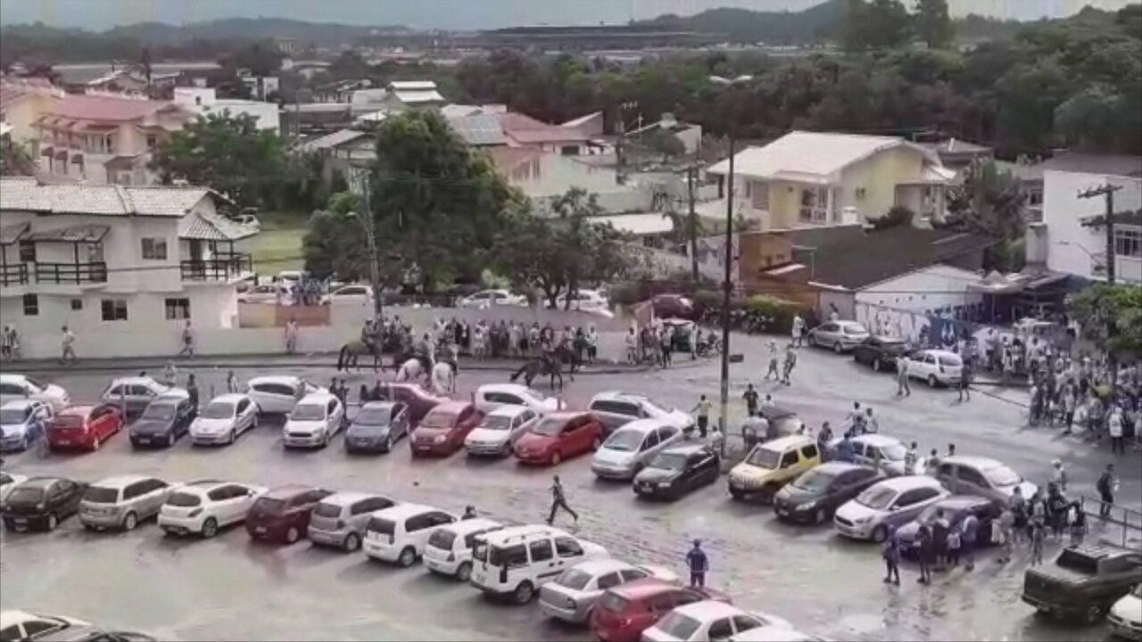 Antes de Avaí x Fortaleza, torcedores e polícia entram em confronto na Ressacada