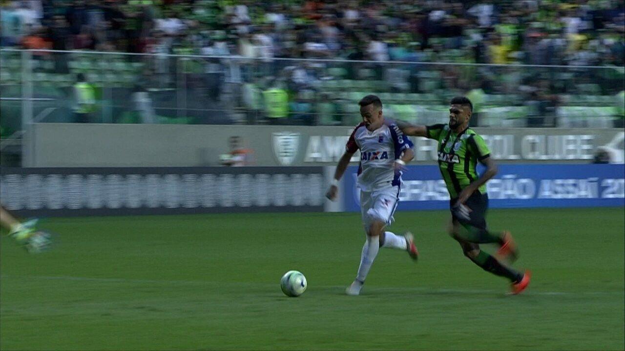 Melhores momentos de América-MG 0 x 1 Paraná pela 33ª rodada do Campeonato Brasileiro