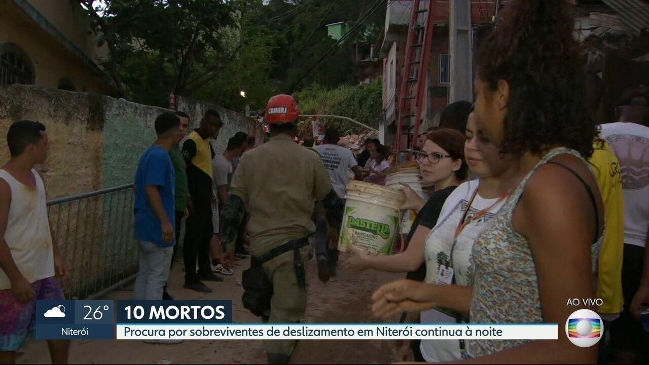 Procura por sobreviventes de deslizamento em Niterói continua à noite