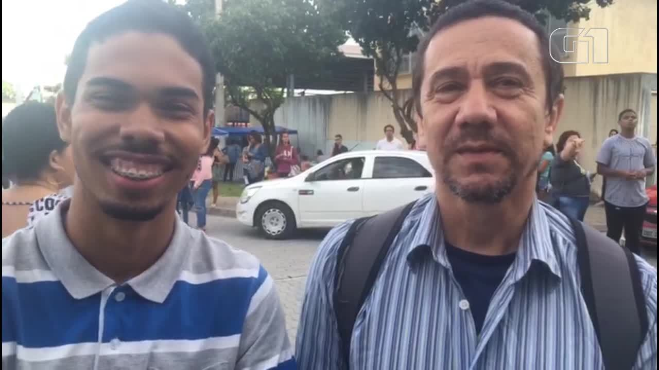 Pai e filho fazem prova do Enem no mesmo local, em Vitória