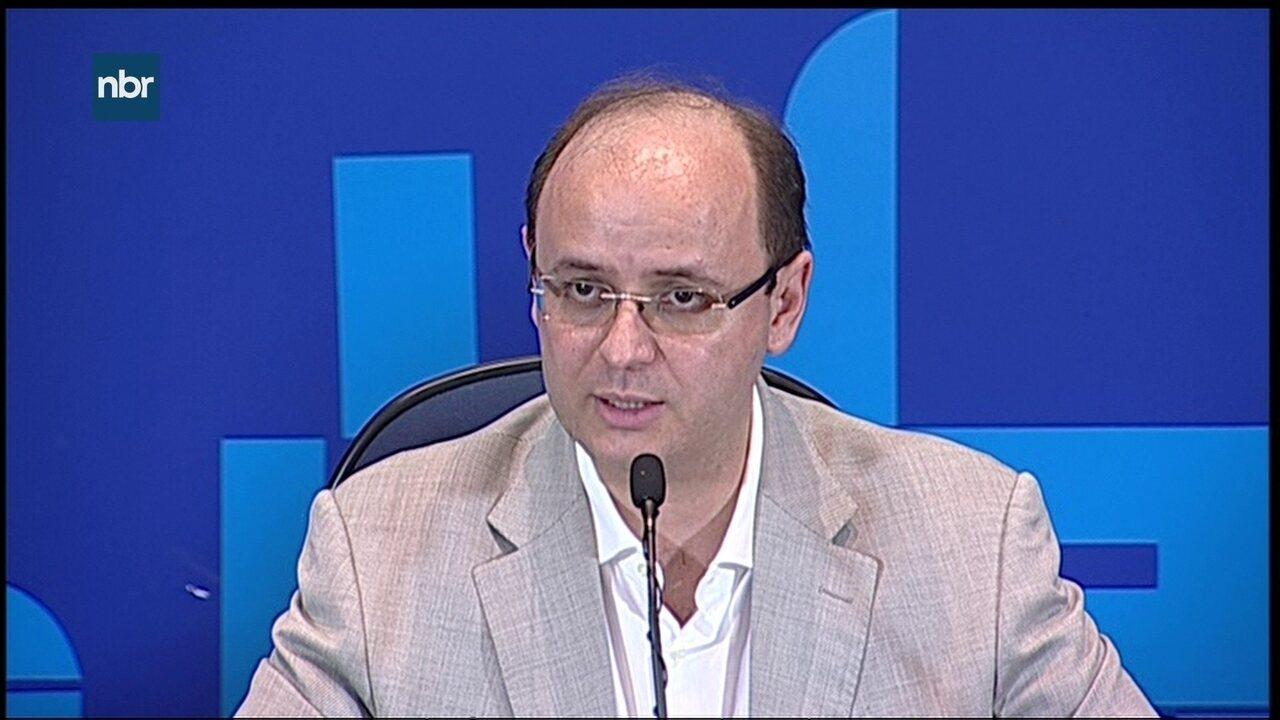 Ministro da Educação evita comentar crítica de Bolsonaro à prova do Enem