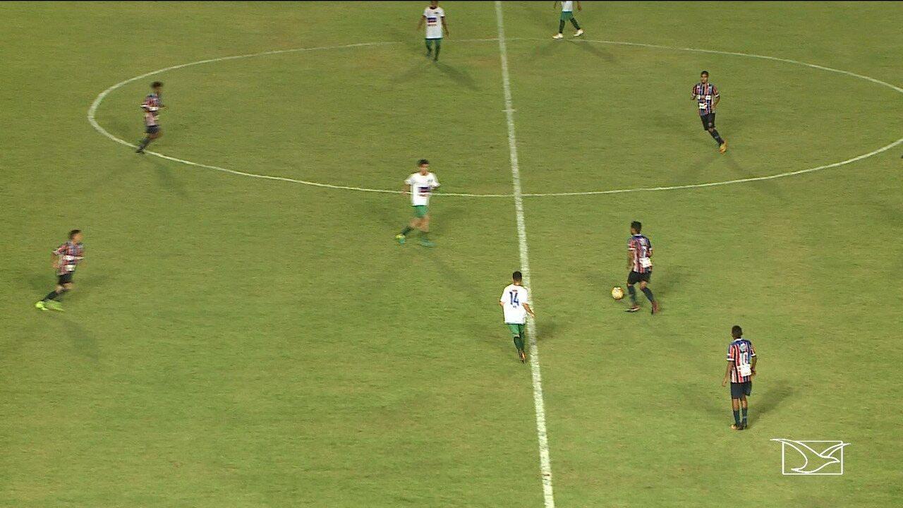 bfe9390903daa Cleber Pereira reinicia carreira e repete estreia com gols no ...
