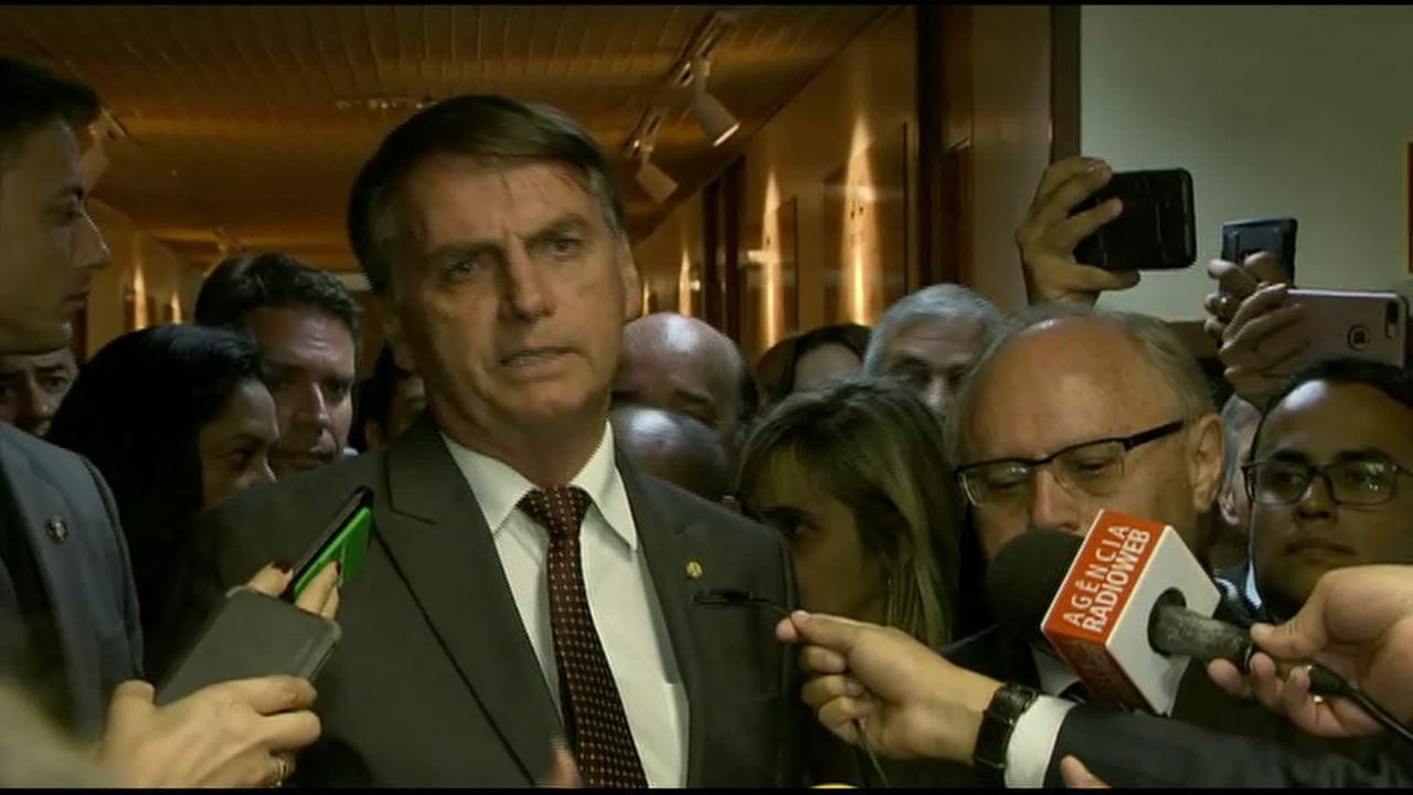 Jair Bolsonaro fala sobre fusão de ministérios
