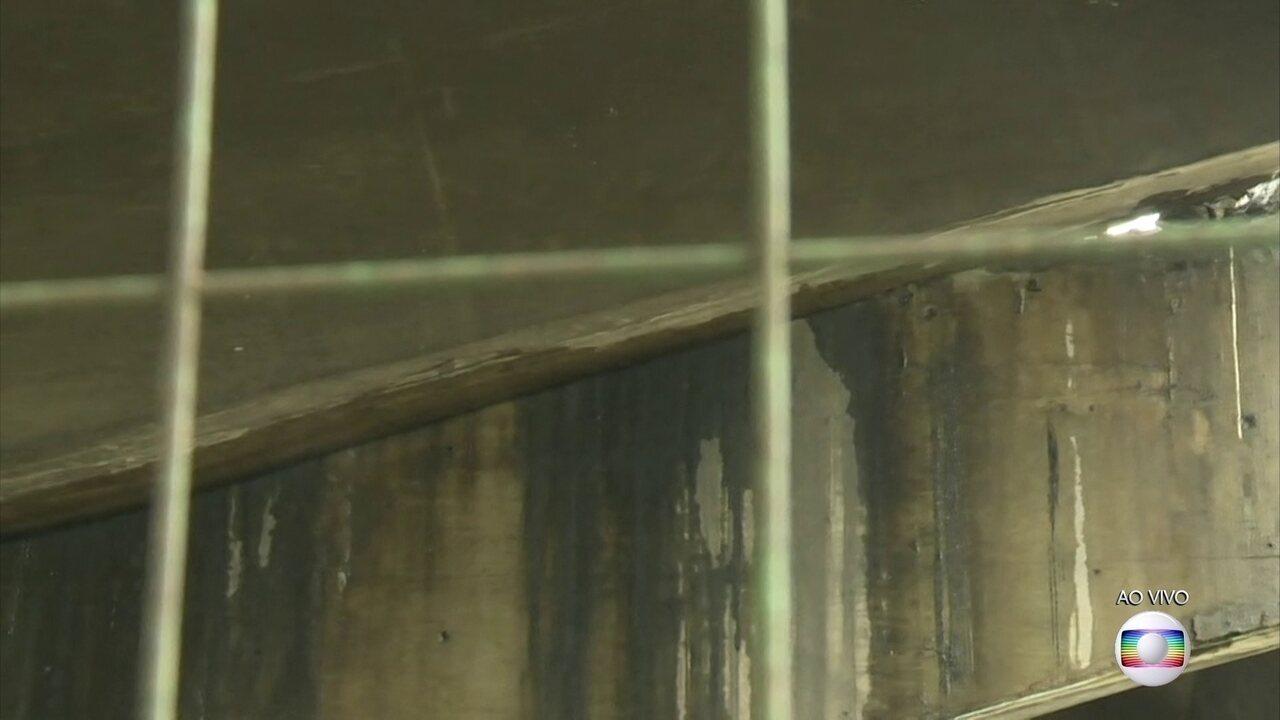 Técnicos constatam fissura em viaduto que cedeu na pista expressa da Marginal Pinheiros