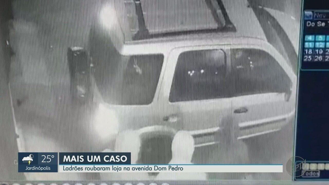 Gangue da marcha à ré ataca loja no Ipiranga em Ribeirão Preto, SP
