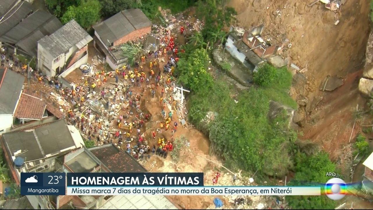Missa marca sete dias da tragédia no morro da Boa Esperança, em Niterói