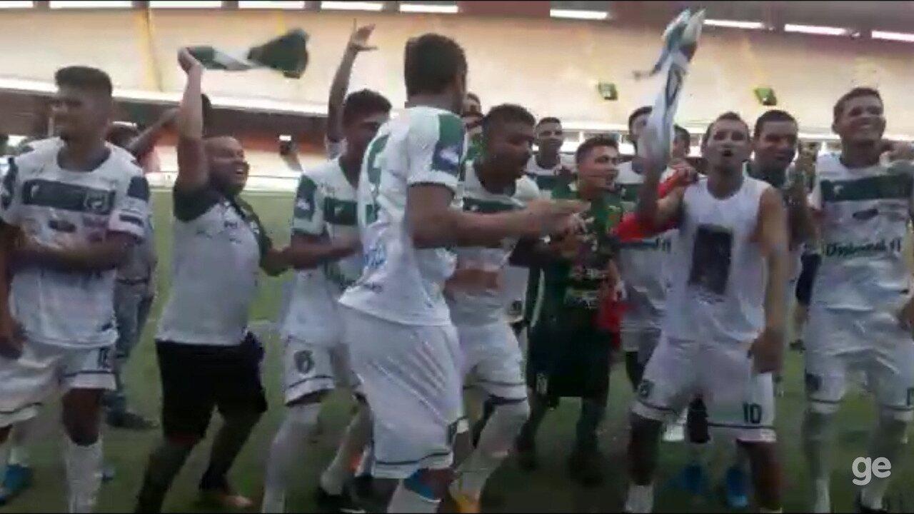 Jogadores do Tapajós comemoram acesso à elite do Parazão