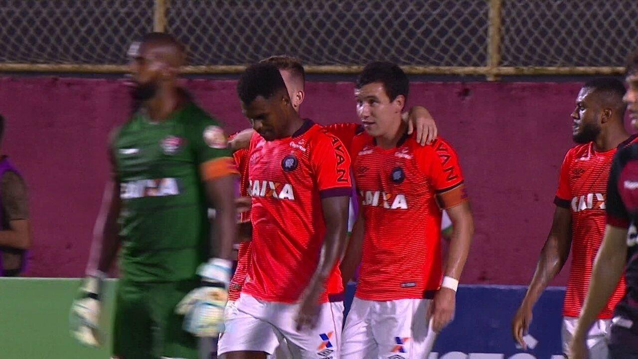 Os gols de Vitória 1 x 2 Atlético-PR pela 35ª rodada do Campeonato Brasileiro