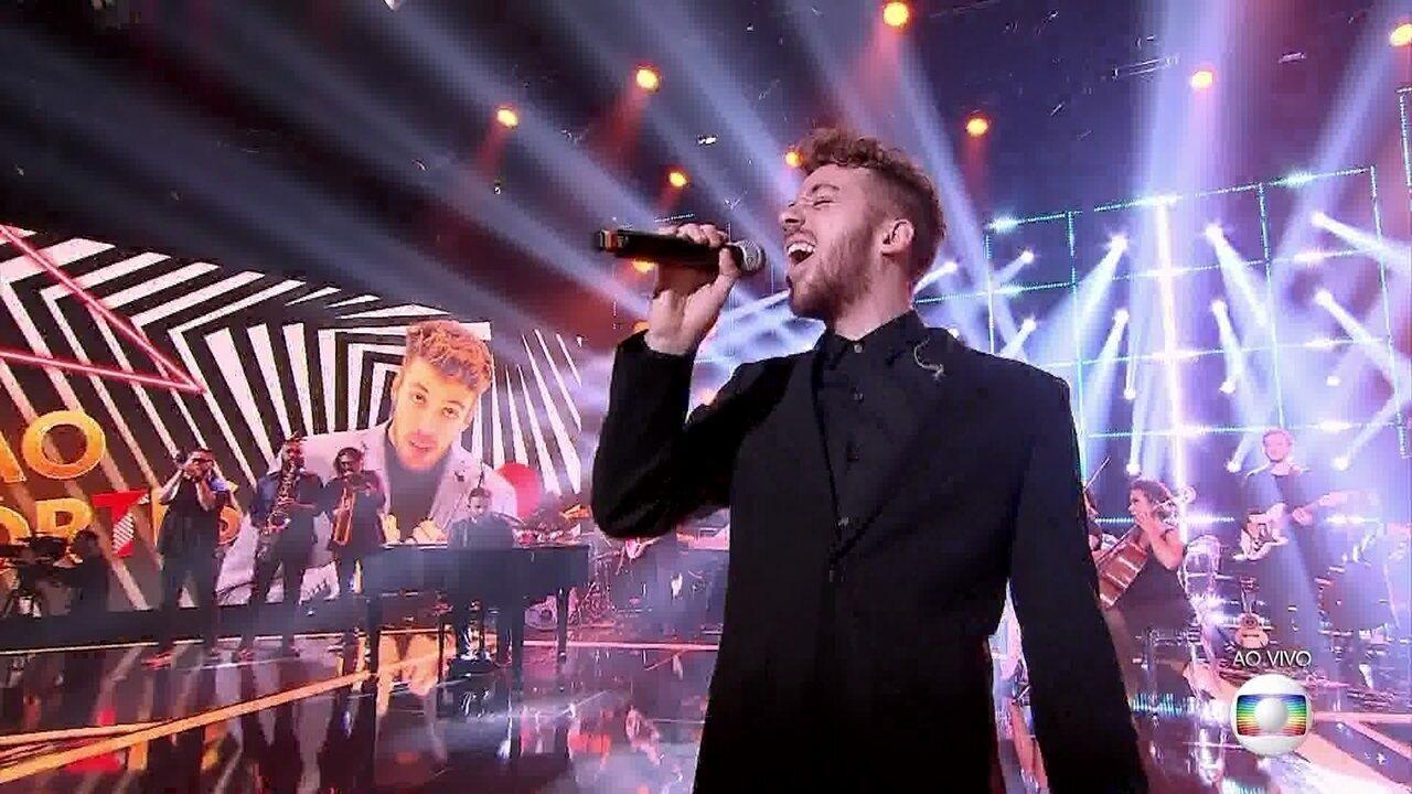 João Côrtes cantou 'Cry Me a River'