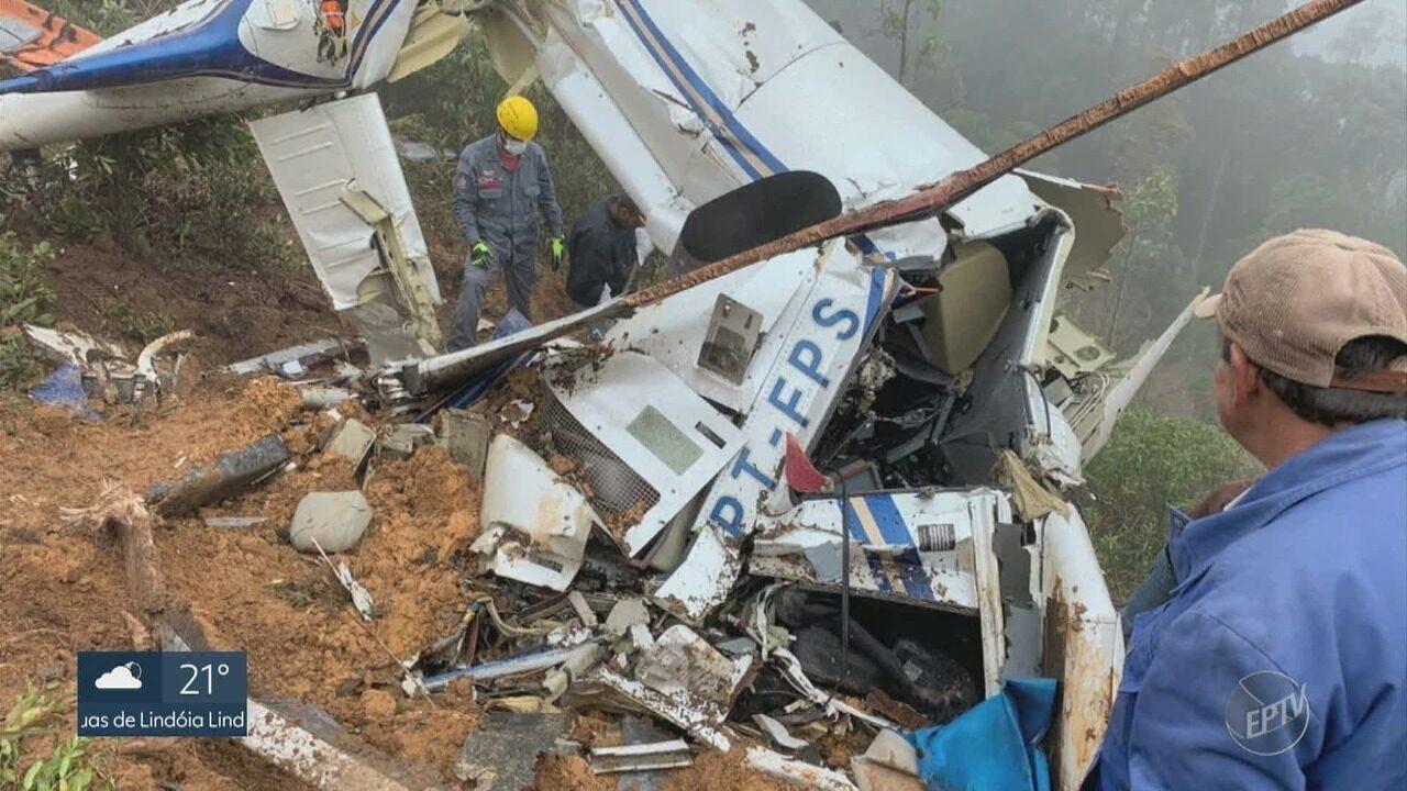 Itapira recebe velório coletivo de vítimas do acidente com helicóptero da Cristália