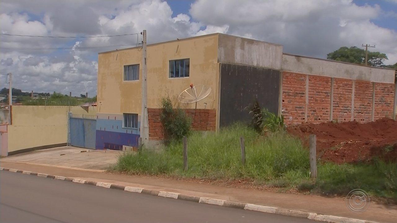 Moradores reclamam da demora na liberação de loteamento em Cesário Lange