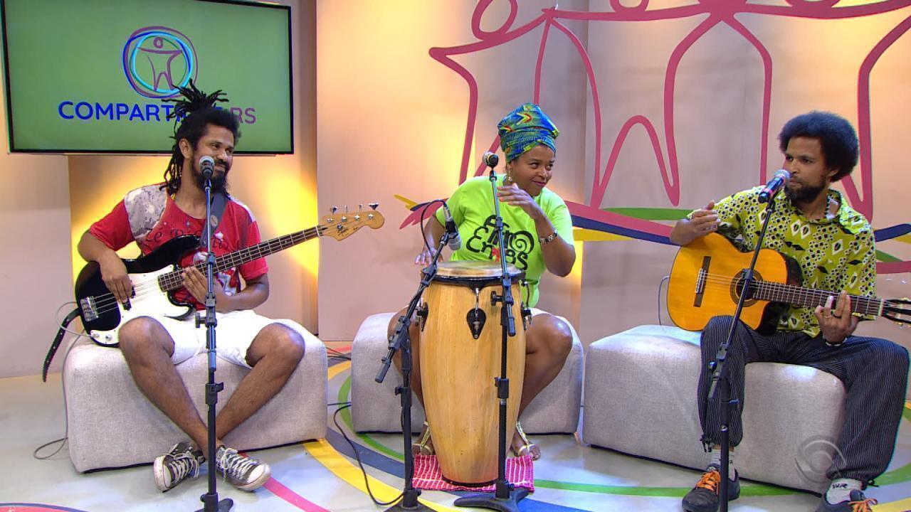 Banda AfroEntes se apresenta no palco do Compartilhe RS