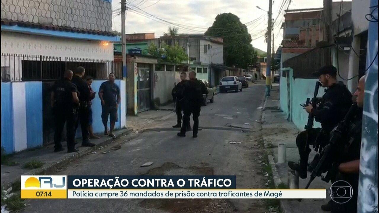 Polícia realiza operação contra o tráfico de drogas em Magé
