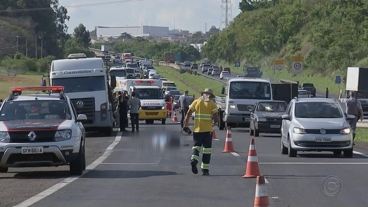 Homem morre e outro fica ferido em duplo atropelamento em rodovia de Bauru