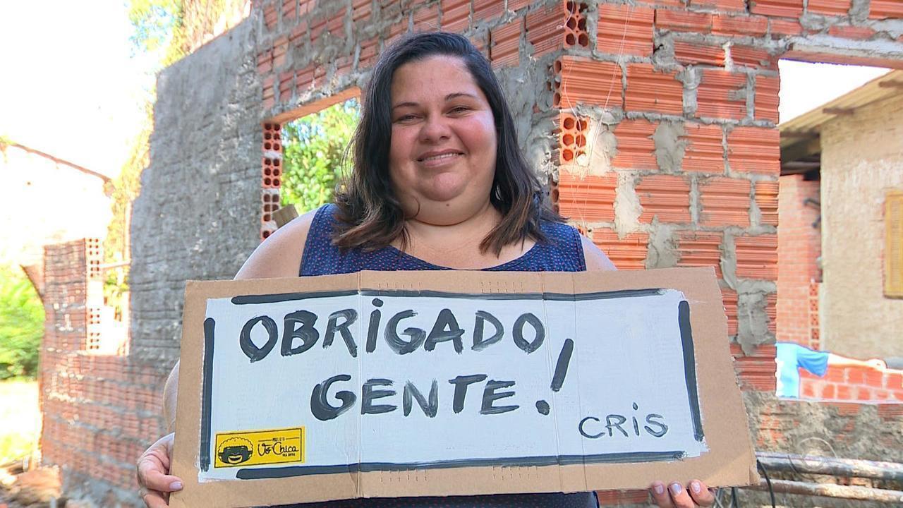 Moradores formam rede de solidariedade para construir casa para vizinha em Viamão
