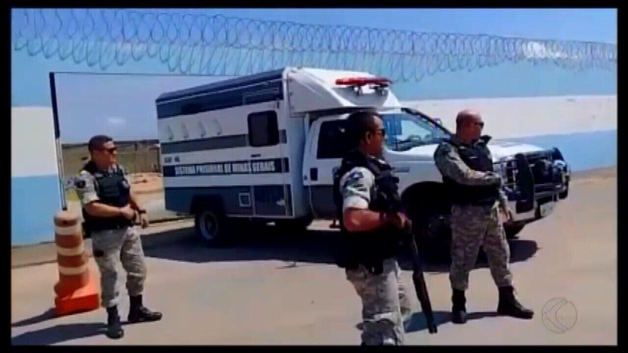 Ex-prefeito e três vereadores são presos em operação de combate à corrupção em Arcos