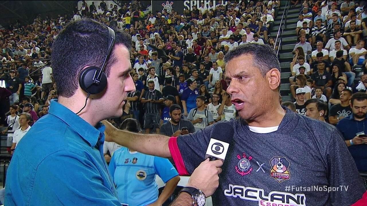 Laércio Graça diz que pode procurar árbitro na arquibancada para substituir lesionado