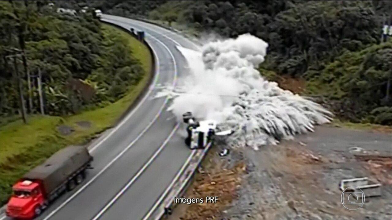 Motoristas fazem gambiarra no freio e colocam em risco quem passa pelas estradas do PR