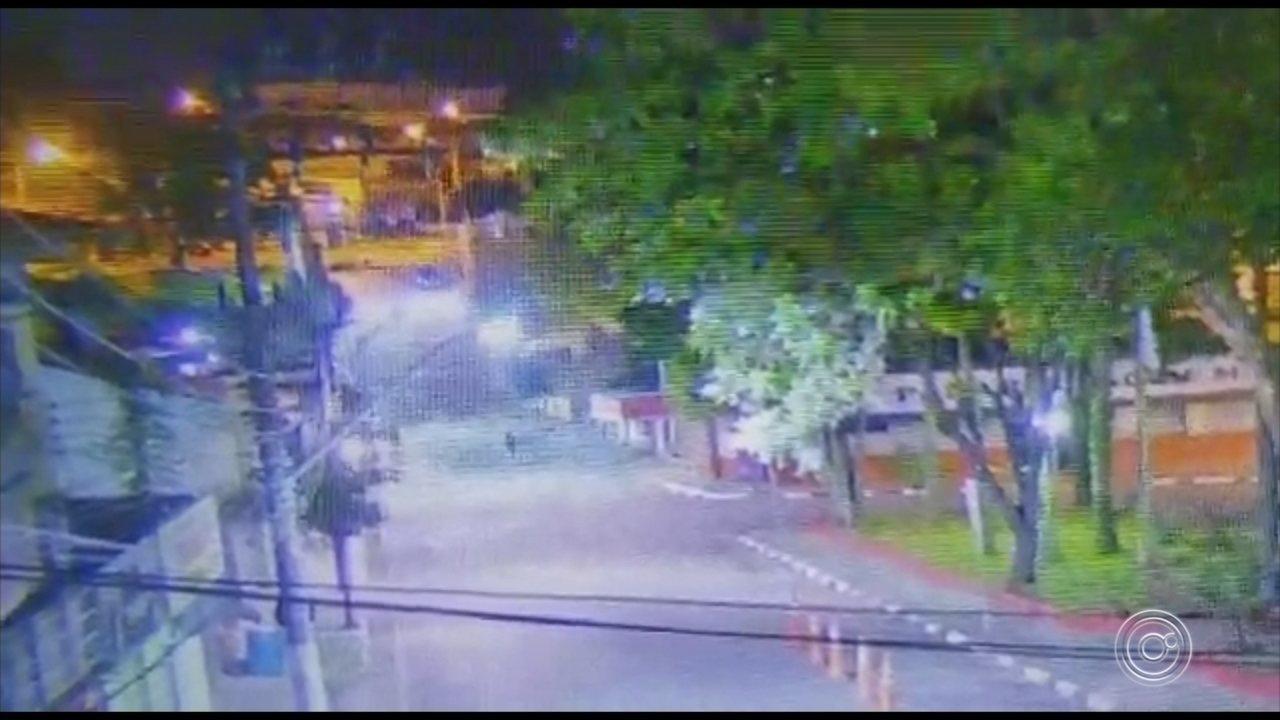 Polícia procura quadrilha que invadiu agência bancária em Araçariguama