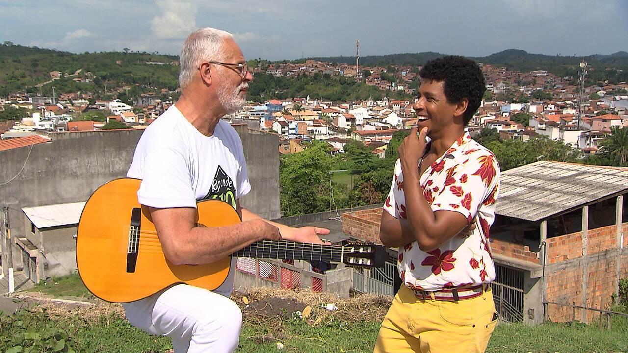 Em Santo Amaro, Aldri entra no ritmo do samba chula