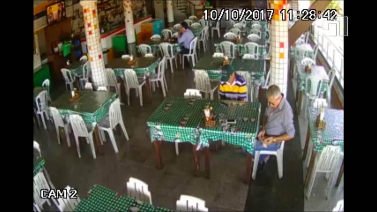 Vice-Prefeito de Apuiarés recebe propina em restaurante, diz Ministério Público