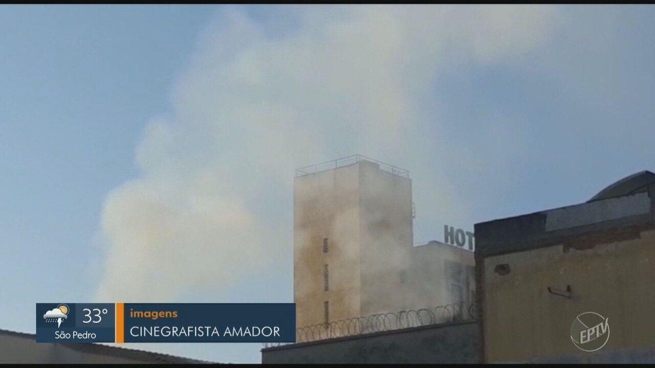 Loja de tecidos pega fogo no Centro de Piracicaba