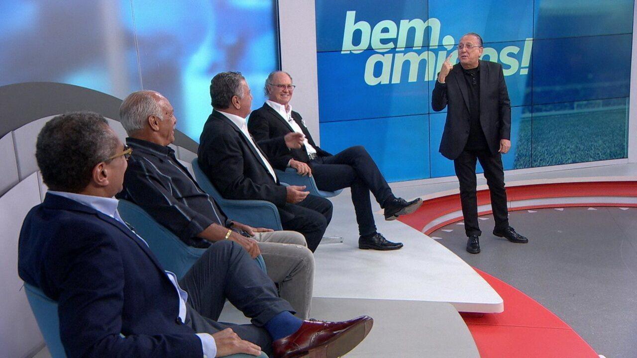 Falcão, Júnior e Galvão contam histórias na despedida de Arnaldo