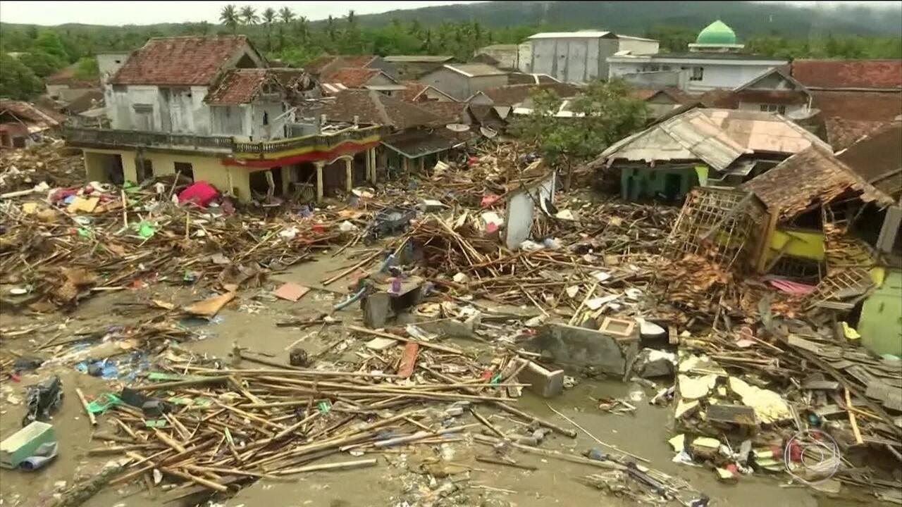 Sobe para 429 o número de mortos por causa do tsunami na Indonésia