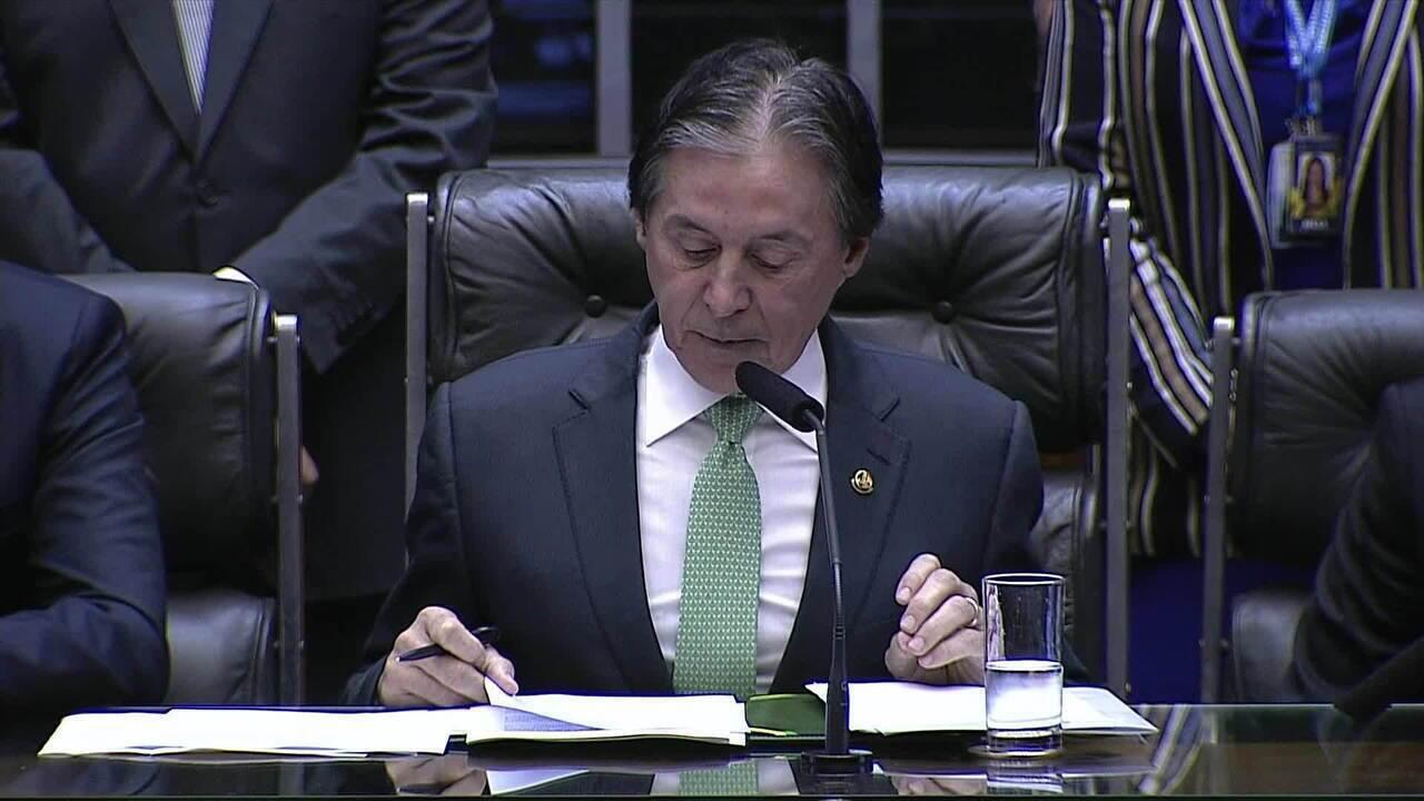 Eunício Oliveira discursa após Jair Bolsonaro