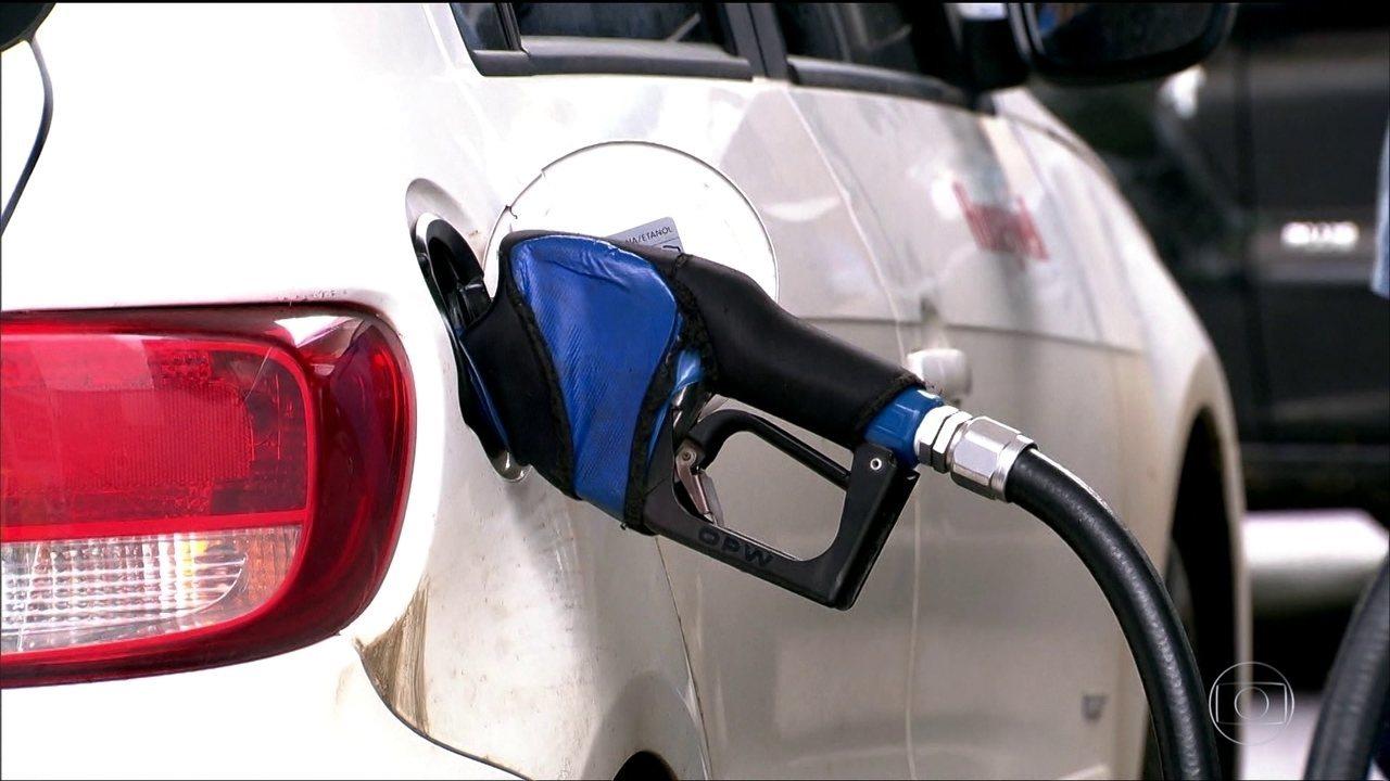 Preços dos combustíveis no Brasil não acompanham a tendência do mercado internacional