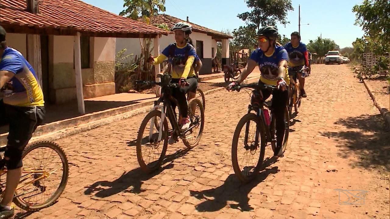 Ciclistas promovem a preservação da natureza em Pastos Bons