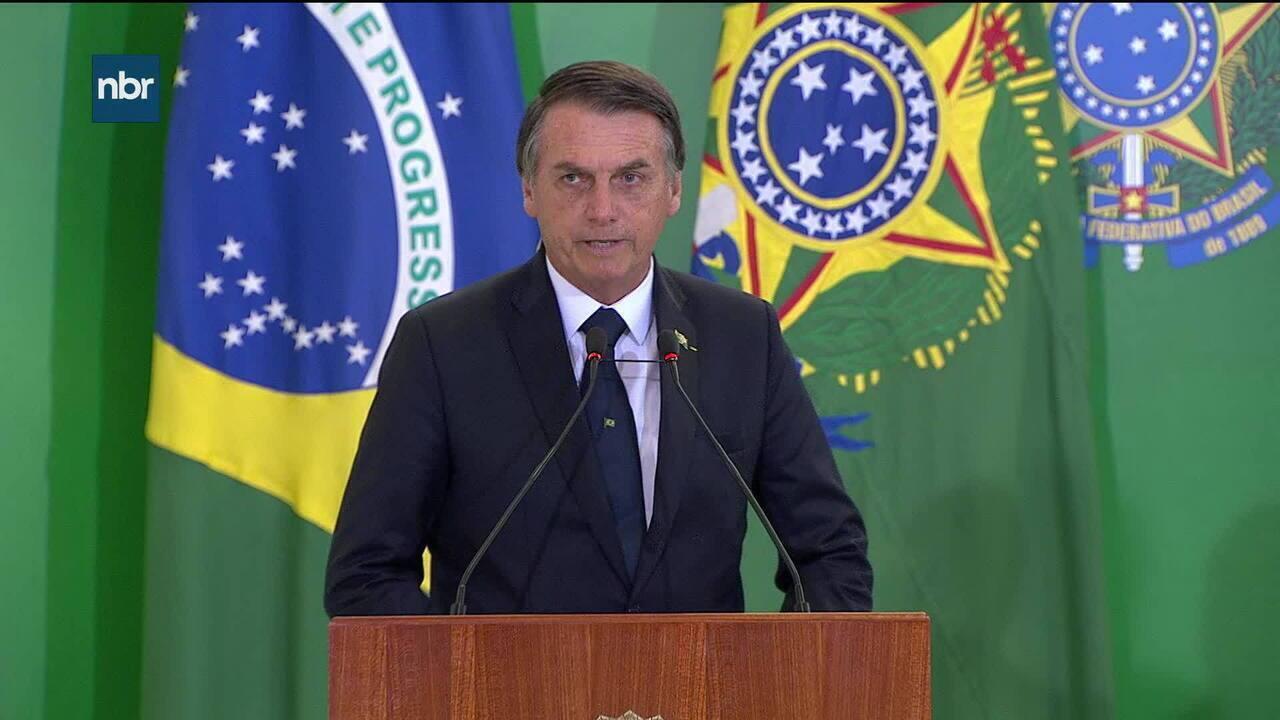 Bolsonaro e Paulo Guedes dão posse a presidentes de BNDES, Caixa e BB nesta segunda (7)