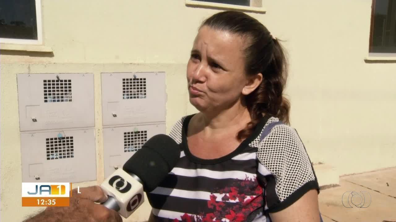 Moradores de habitação popular reclamam de pagar valor dobrado em contas de água
