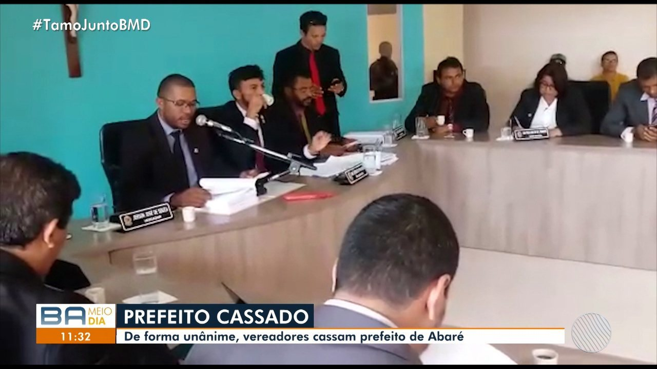 Prefeito de Abaré é cassado por decisão unânime