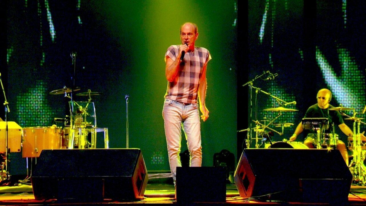 Ney Matogrosso faz show