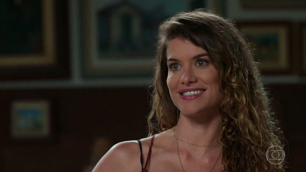 Alain descobre por Isabel que Cris e ela se encontraram mais cedo na casa de Julia