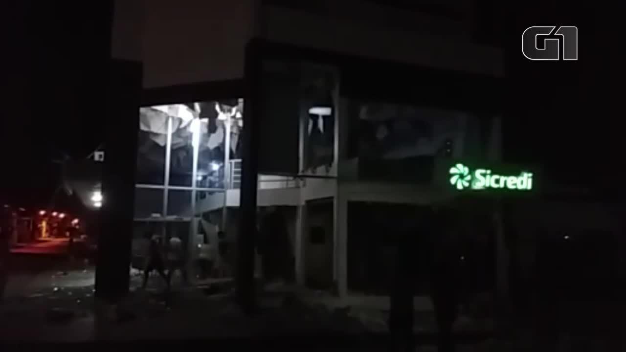 Bandidos explodem agências bancárias em Rondon do Pará