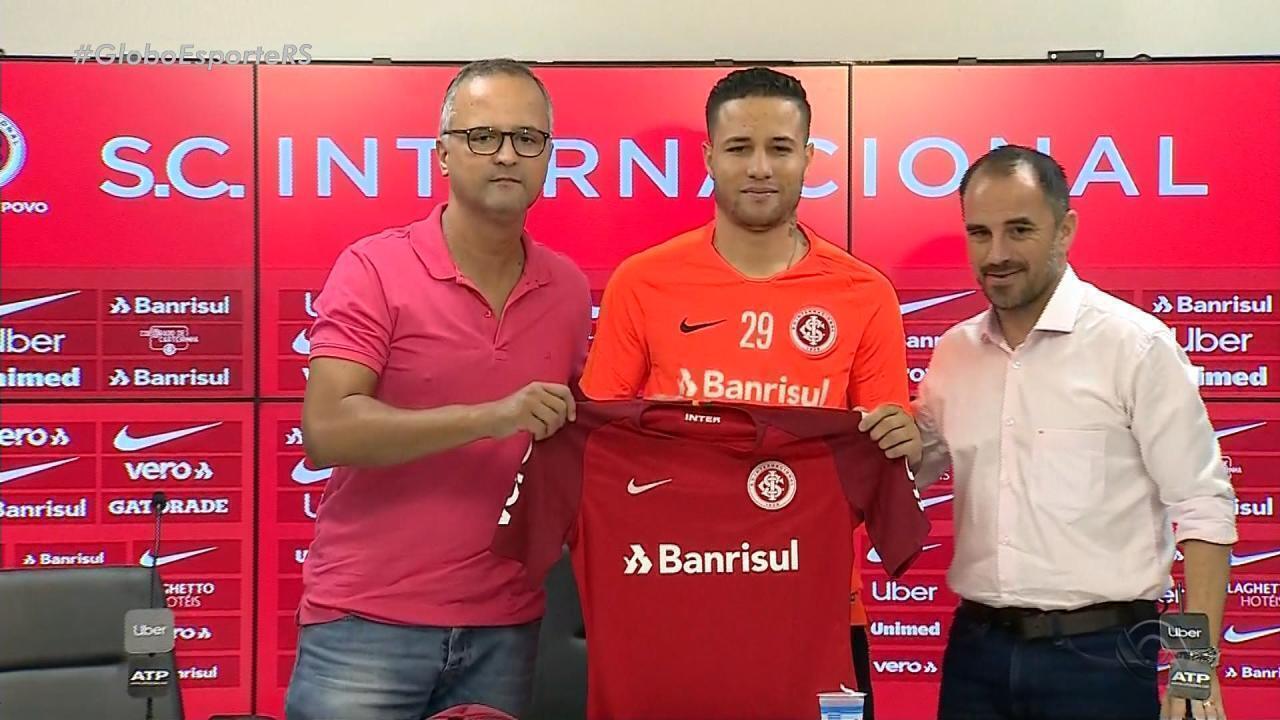 Inter anuncia contratação de lateral-direito Bruno