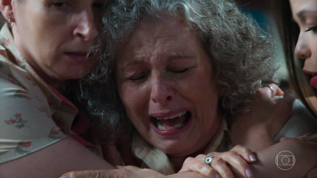 Margot sofre com a notícia de que seu filho está morto