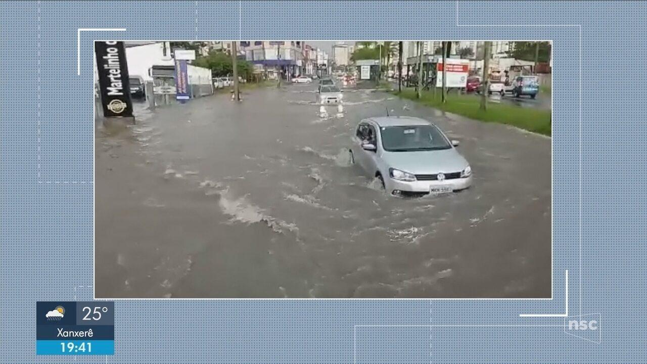 Pancadas de chuva provocam alagamentos no Sul do estado