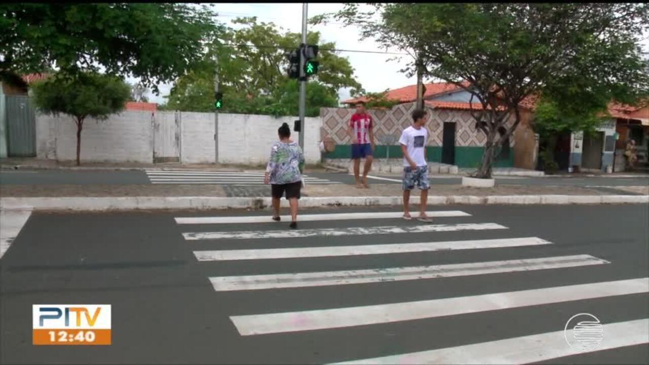 Resultado de imagem para Maioria dos semáforos de Teresina não possuem alerta sonoro