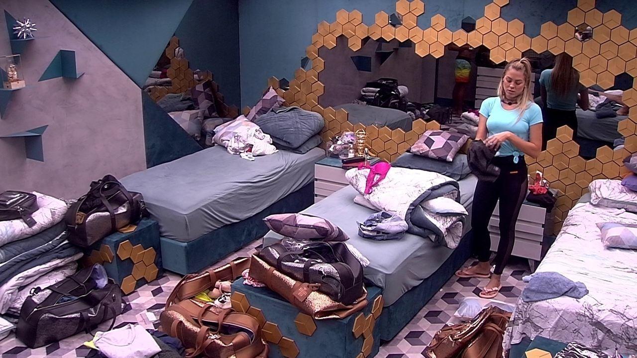 Isabella avisa que vai chamar Rodrigo para conversar: 'Eu e ele, mais ninguém'