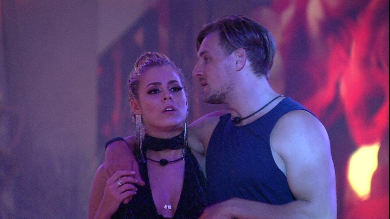 Diego diz para Isabella: 'Estou muito confiante com esse Paredão'